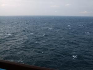 エーゲ海クルーズ船内からの見える海
