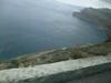 サントリーニ島のイラへ向かうバスの中からの海を撮影